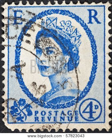 Queen Elizabeth By Dorothy Wilding On Ultramarine