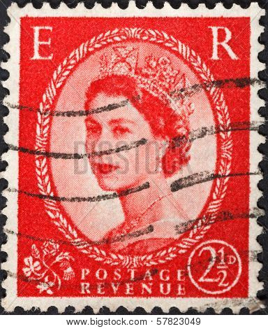 Queen Elizabeth By Dorothy Wilding On Red