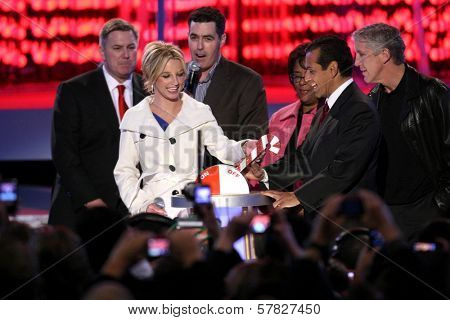 Britney Spears with Adam Carolla and Antonio Villaraigosa   at the Debut of L.A. Live's 'Light of Angels'. L.A. Live, Los Angeles, CA. 12-04-08