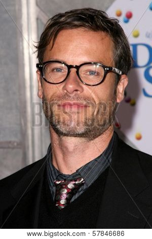 Guy Pearce   at the Los Angeles Premiere of 'Bedtime Stories'. El Capitan Theatre, Hollywood, CA. 12-18-08