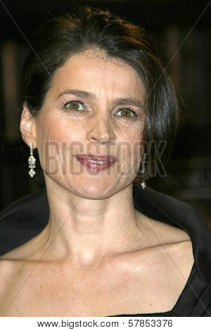 Julia Ormond  at VH1's 14th Annual Critic's Choice Awards. Santa Monica Civic Auditorium, Santa Monica, CA. 01-08-09
