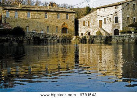 Bagno vignone.Italy.termal village
