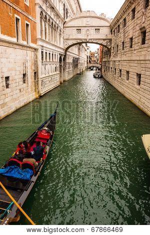 Bridge Of Sighs With Gondola