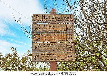 Sign Nationalpark Vorpommersche Boddenlandschaft