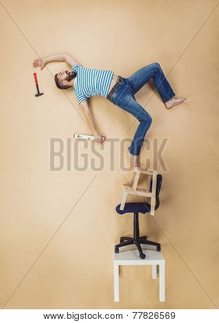 Handyman falling from height
