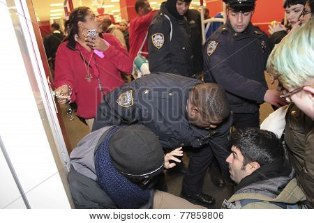 NYPD grapples with protesters by Target