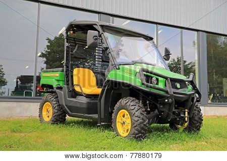 John Deere XUV550 Crossover Utility Vehicle