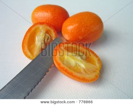 cutting tangerine