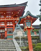 pic of dory  - Richly colored Fushimi Inari Taisha Shrine - JPG
