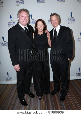 LOS ANGELES - FEB 11:  David Hunt, Patricia Heaton, Gary Sinise at the 30th Annual John Wayne Odyssey Ball at the Beverly Wilshire Hotel on April 11, 2015 in Beverly Hills, CA
