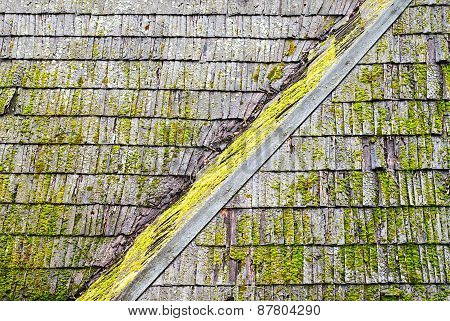 Grunge wooden shingle roof