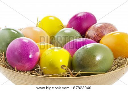 Easter eggs in a wooden bowl, large DOF