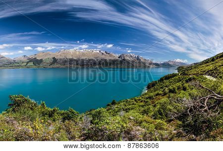 Lake Wakatipu Between Queentown And Glenorchy