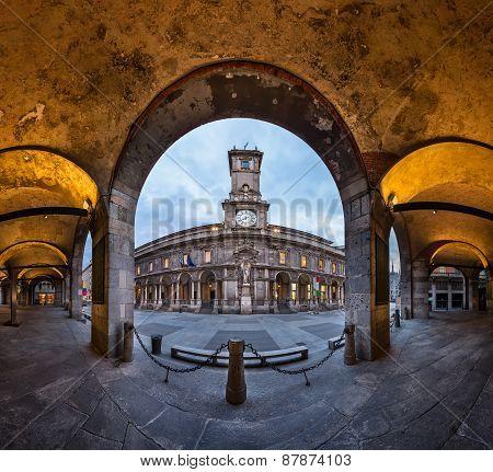 Palazzo Della Ragione And Via Dei Mercanti In The Morning, Milan, Italy