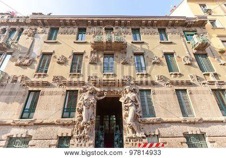 Casa Campanini House (1904)  In Milan, Italy