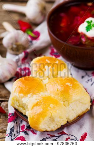 Pampushki ,the Traditional Ukrainian Pastries