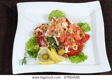 Vegetable Salad With Shrimp And Red Fish