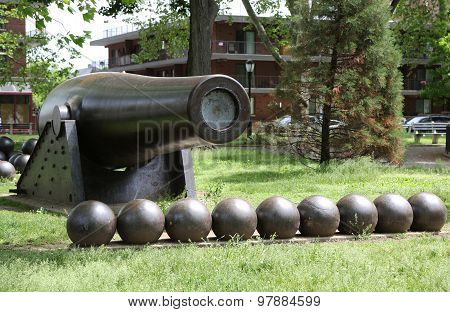 20 inch Parrott Cannon of 1864 as a Civil War Memorial in Bay Ridge area of Brooklyn, New York.