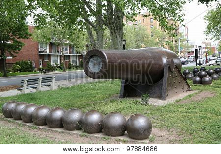 20 inch Parrott Cannon of 1864 as a Civil War Memorial in Bay Ridge area of Brooklyn, New York