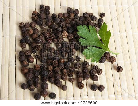 Ungrounded black pepper
