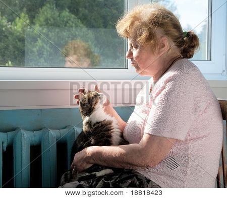 The Old Woman Caress Cat