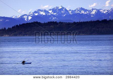 Kayak Puget Sound, Olympic Mountains Edmonds, Washington