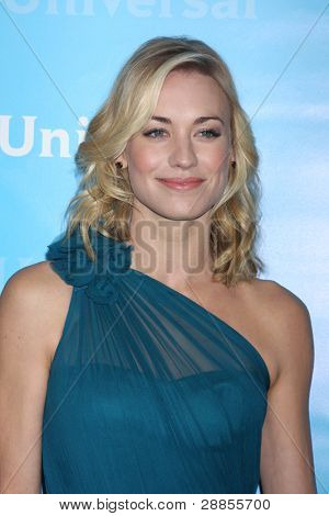 LOS ANGELES - JAN 6:  Yvonne Strahovski arrives at the NBC Universal All-Star Winter TCA Party at The Athenauem on January 6, 2012 in Pasadena, CA
