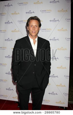 LOS ANGELES - JAN 14:  Steven Weber arrives at  the Hallmark Channel TCA Party Winter 2012 at Tournament of Roses House on January 14, 2012 in Pasadena, CA