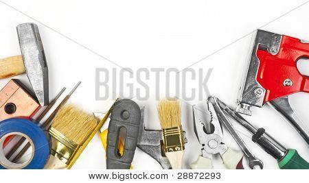 Muchas herramientas sobre fondo blanco