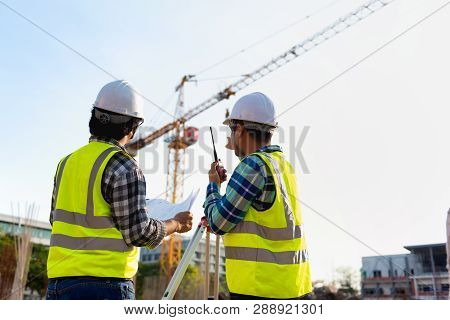 Construction Engineers Discussion With Architects