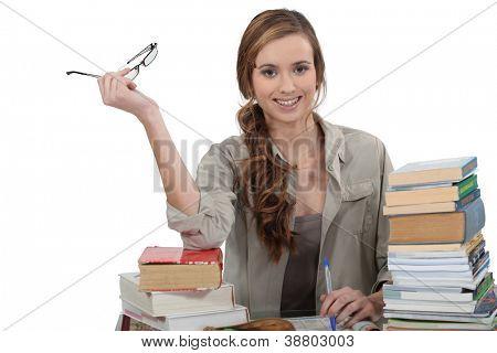 Studentin, die Überarbeitung