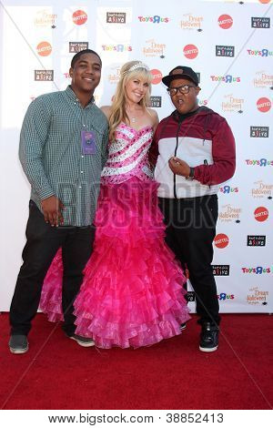 LOS ANGELES - OCT 27:  Chris Massey, Barbie, Kyle Massey arrives at