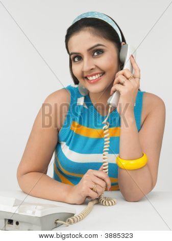 Woman Of Indian Origin Speaking In The Phone
