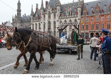 BRUGES, BELGIUM - MAY 17: Annual Procession of the Holy Blood on Ascension Day. Locals perform  dramatizations of Biblical events - birth of Jesus Christ. May 17, 2012 in Bruges (Brugge), Belgium