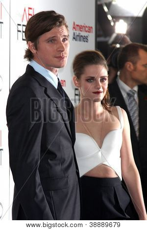LOS ANGELES - NOV 3:  Garrett Hedlund, Kristen Stewart arrives at the AFI Film Festival 2012