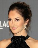 LOS ANGELES - OCT 27:  Minka Kelly arrives at the LACMA 2012 Art + Film Gala at Los Angeles County M