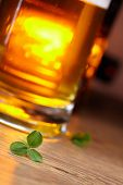picture of glass frog  - clover and beer - JPG