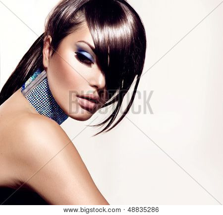 Fashion Beauty Girl. Gorgeous Woman Portrait. Stylish Haircut and Makeup. Hairstyle. Make up. Vogue Style. Sexy Glamour Girl