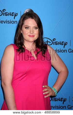 LOS ANGELES - AUG 4:  Lauren Ash arrives at the ABC Summer 2013 TCA Party at the Beverly Hilton Hotel on August 4, 2013 in Beverly Hills, CA