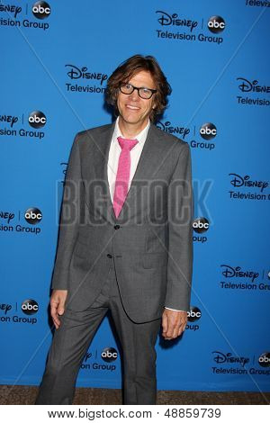 LOS ANGELES - AUG 4:  Simon Templeman arrives at the ABC Summer 2013 TCA Party at the Beverly Hilton Hotel on August 4, 2013 in Beverly Hills, CA