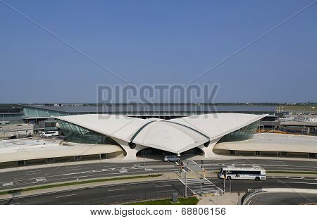Areal view of the historic TWA Flight Center and JetBlue Terminal 5 at JFK International Airport