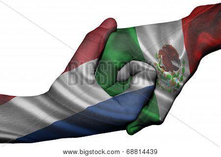 Handshake Between Netherlands And Mexico