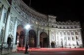 pic of headlight  - Admiralty Arch at night with headlight and tailight light trails - JPG