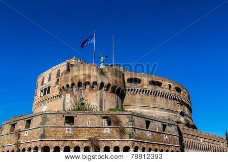 italy, rome, castel sant angelo  with st. peter's basilica in hintergrund