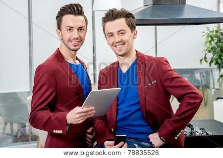 Two brothers twins working at the restaurant