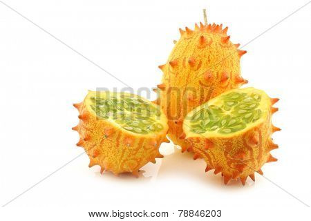 Kiwano melon  ((Cucumis metuliferus)