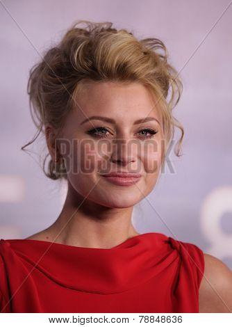 LOS ANGELES - NOV 22:  Alyson Michalka arrives to the