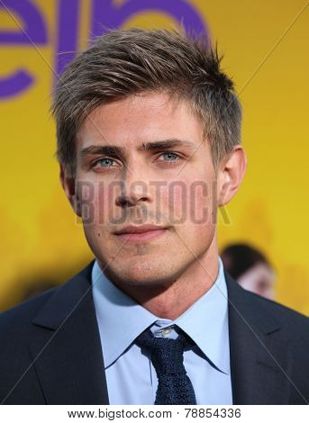 LOS ANGELES - AUG 09:  CHRIS LOWELL arrives to the
