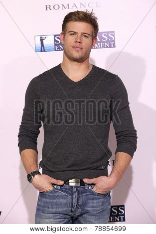 LOS ANGELES - FEB 06:  TREVOR DONOVAN arrives to the 'The Vow' World Premiere  on February 06, 2012 in Hollywood, CA
