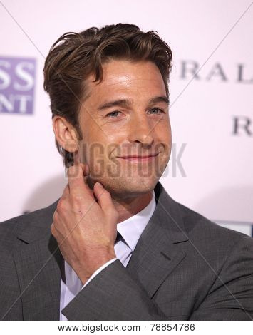 LOS ANGELES - FEB 06:  SCOTT SPEEDMAN arrives to the 'The Vow' World Premiere  on February 06, 2012 in Hollywood, CA
